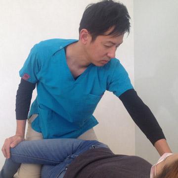 おあしす接骨院・施術風景(腸腰筋)
